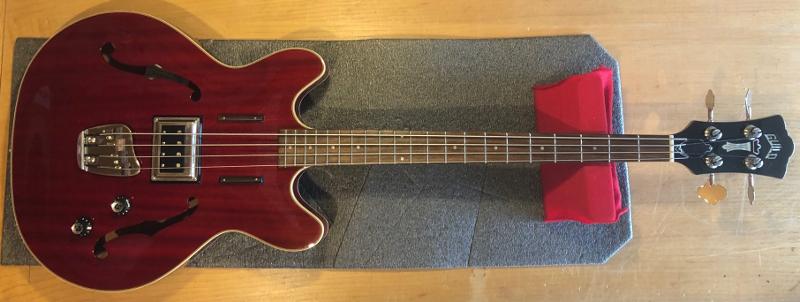 Guild Hollowbody Bass